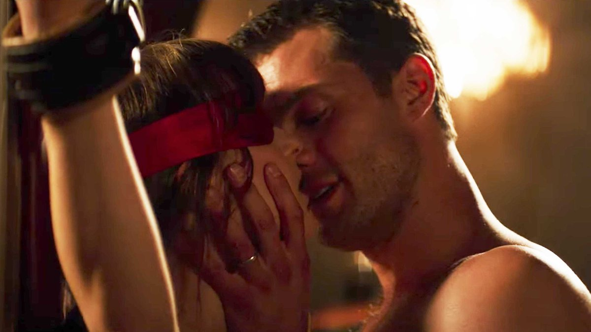 25 Of The Most Ridiculous Sex Scenes In Movies Ever Gtgtgt