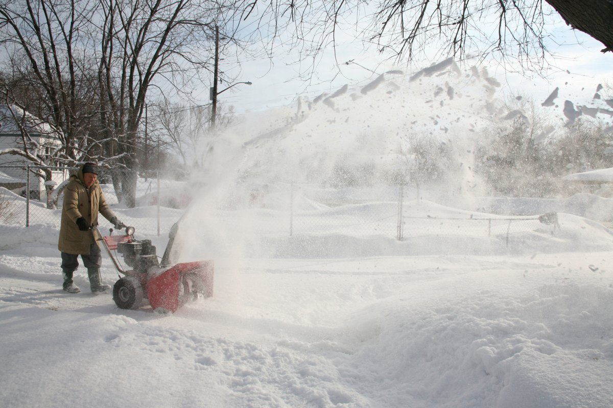 Another Inch Of Snowfall Expected Before Storm Tapers Off Sunday
