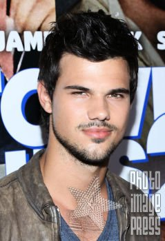 Happy Birthday Wishes going out to Taylor Lautner!