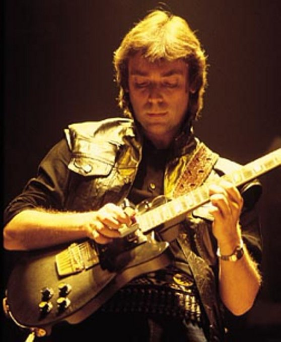 Happy Birthday Steve Hackett.