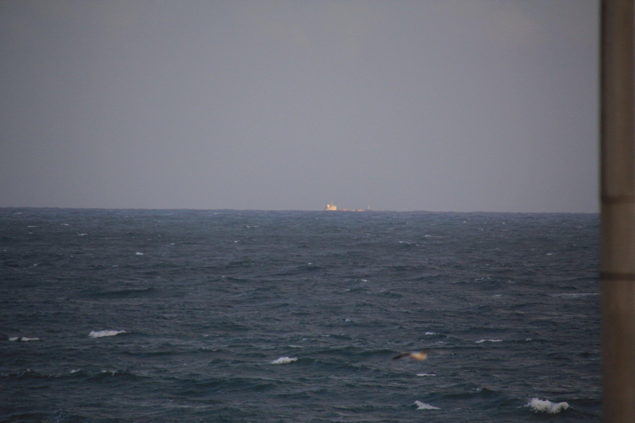 @nieveszapatapic @UnCastellsMes @nicolassteno11 @TecnoXplora @astro_duque Se hunde el barco SOS https://t.co/AGqulMaJW5