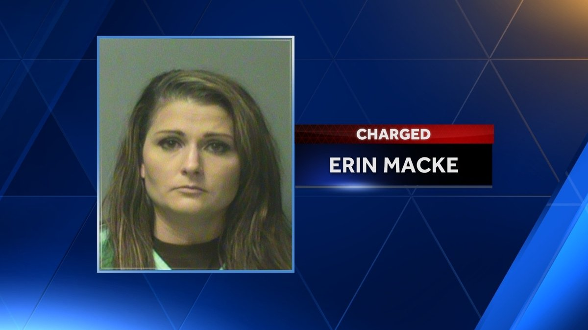 Plea deal for mom accused of leaving kids alone as she jetted to Europe