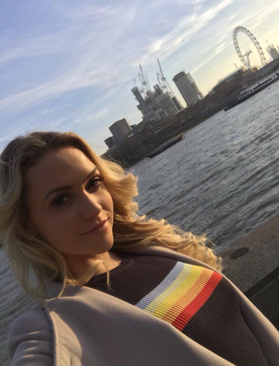 In London shooting a movie for 💙💚💛🧡❤️ jk7UqJUjez