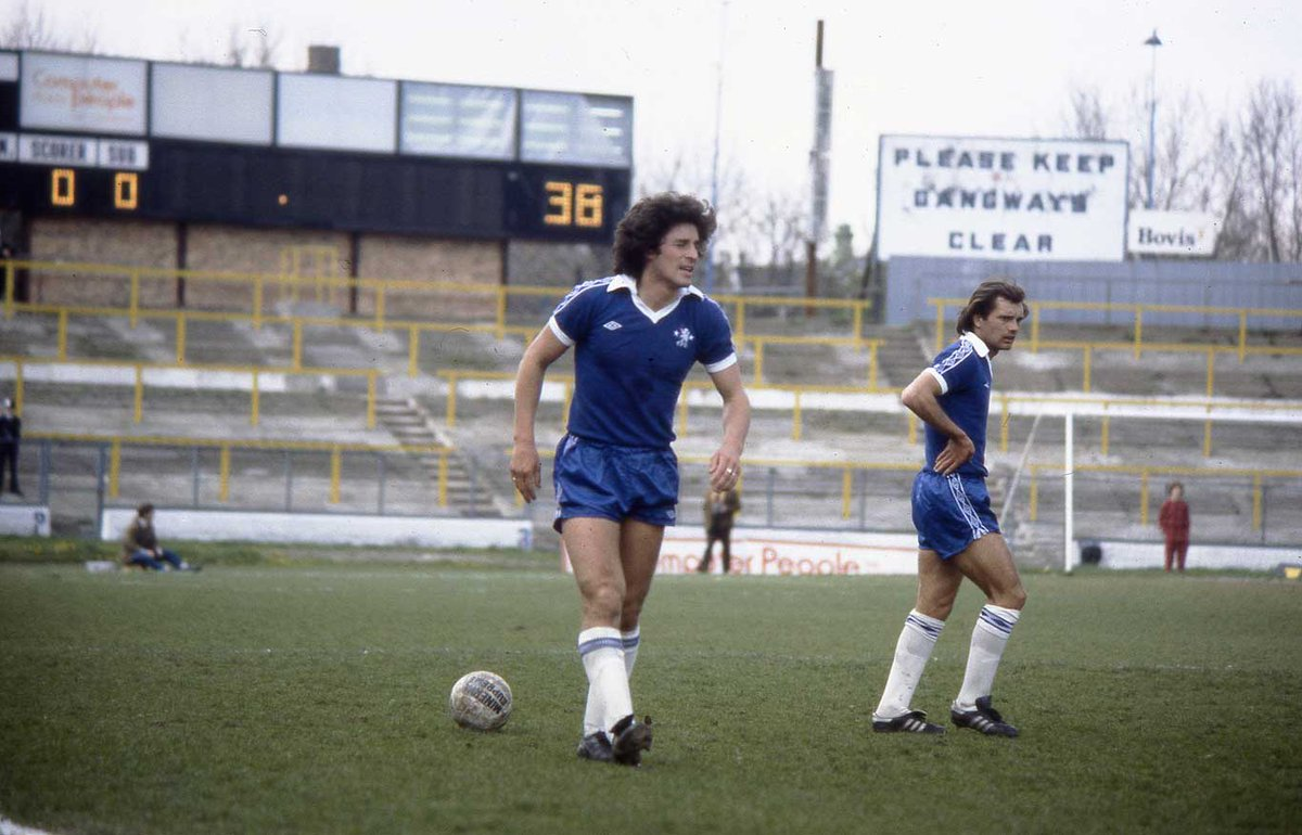#ChelseaFC circa 1979... I think I just spotted David Luiz' dad... #CFC https://t.co/vlAXcIsOWT