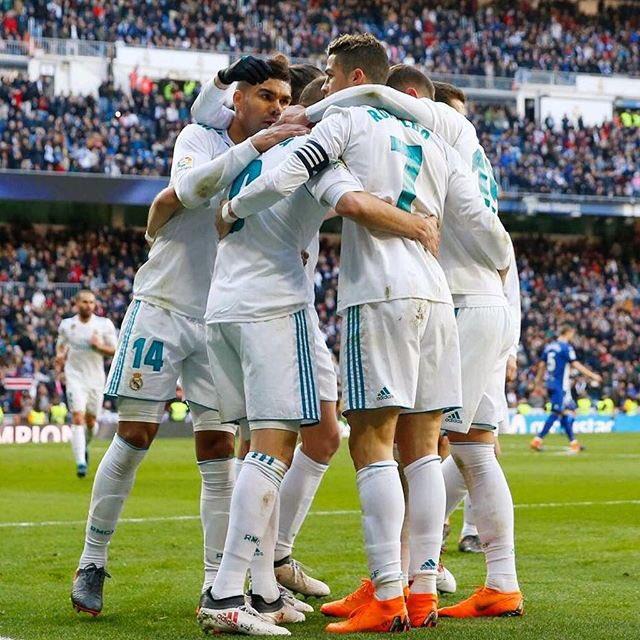 Feliz por haber alcanzado los 300 goles en la Liga Española por el Real Madrid. Vamos equipo!���� https://t.co/KBizM5OTdb