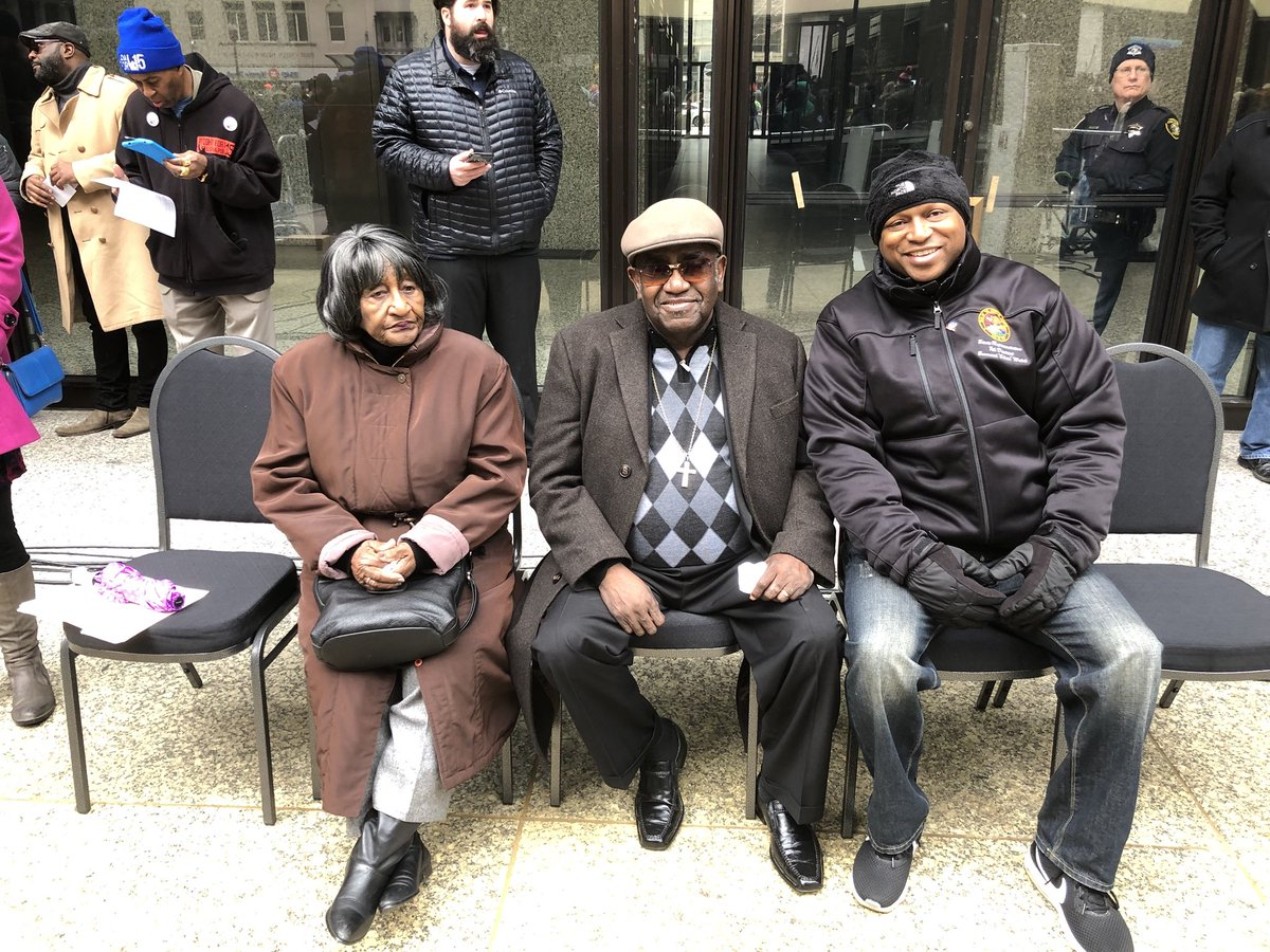 test Twitter Media - It was truly an honor to meet James Riley, 1968 Memphis sanitation worker and striker who marched with #MartinLutherKingJr  #ItsAboutFreedom #UnrigtheSystem. He told the crowd about being at the Lorraine Motel and seeing Dr. King after he was shot.  He still sheds tears over it! https://t.co/xz9g3j5NEX