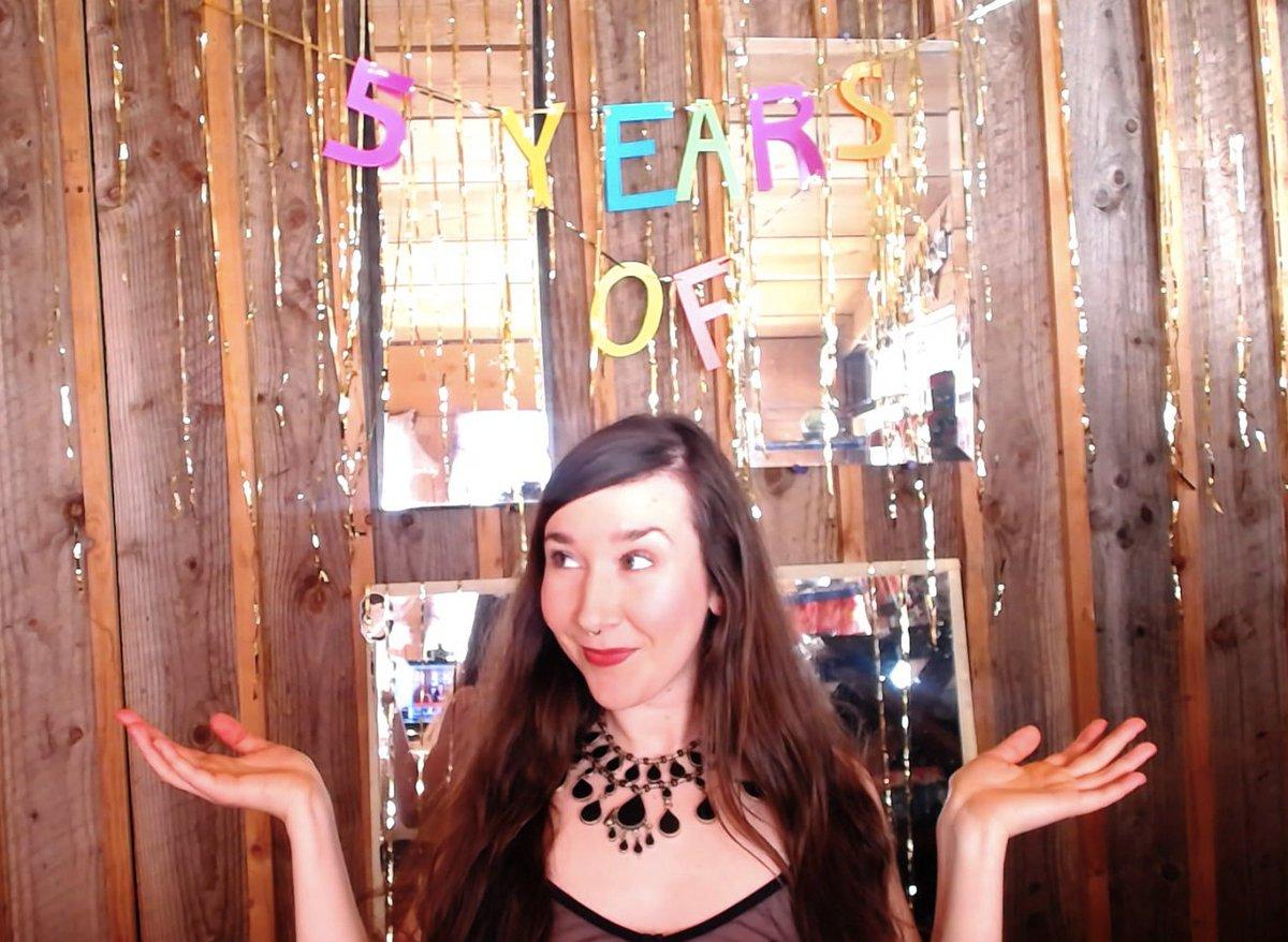 1 pic. Come celebrate 5 years with me! 🎈🍾✨🎉 NoIB9NDA4B 9jvHfGFrH1