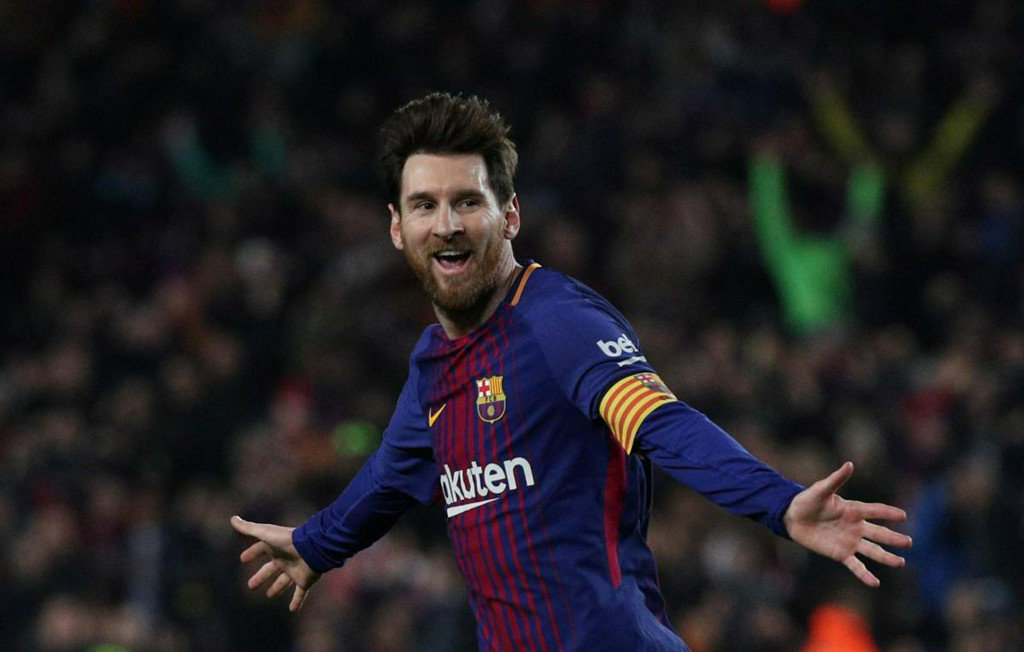 Messi wows team mates and Valverde with special free kick