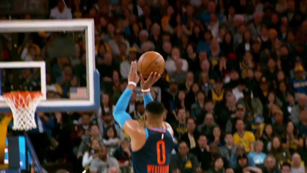 Russell Westbrook knocks down the three!  #PhantomCam #ThunderUp https://t.co/lqKaEMmvDN
