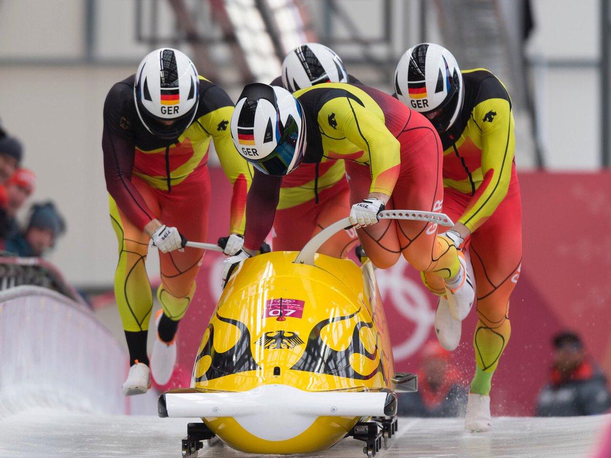 Doppelerfolg mit Gold und Silber bei den Olympischen Winterspielen im Viererbob #Bobsleigh #PyeongChang2018 #BSDteam https://t.co/jeAot2JgC8