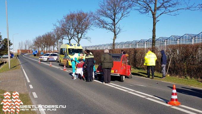 Automobilist gewond bij ongeluk Nieuwelaan https://t.co/Y5RYX7OWQa https://t.co/rDlJ3g1b05