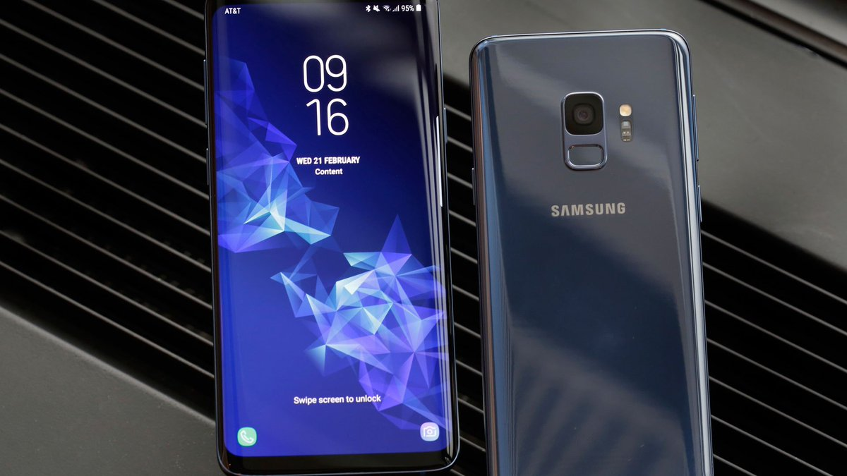 New Samsung phone: Nicer camera, static design, higher price