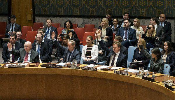 With no Russia veto, U.N. backs Syria truce