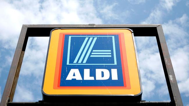Aldi and IGA given low ranking in supermarket healthy eating report