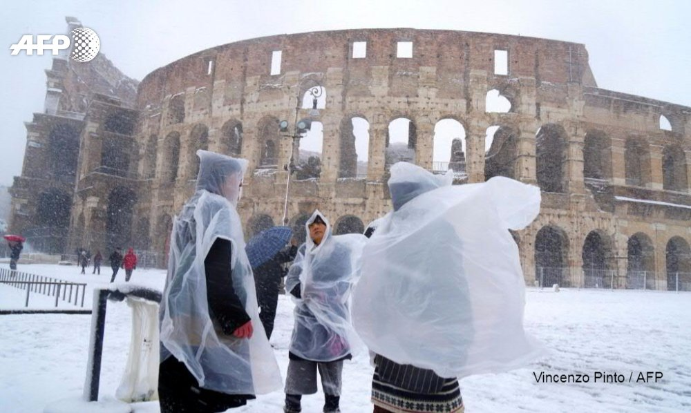 Snow falls in Rome as Europe hit by icy weather