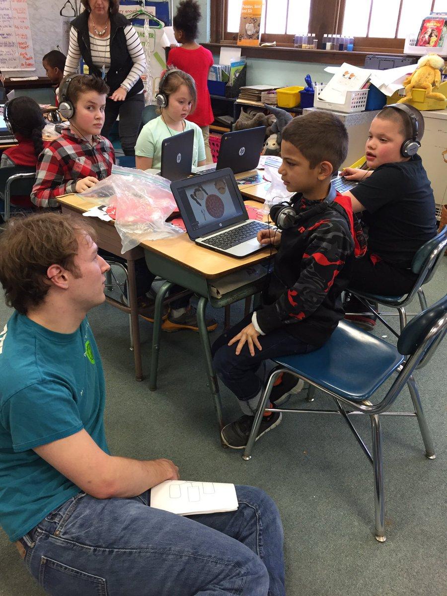 test Twitter Media - RT @MacdSchool: Wesleyan Students gathering data to build video games! #experts @wesleyan_u https://t.co/9Nf0N3Tsu0