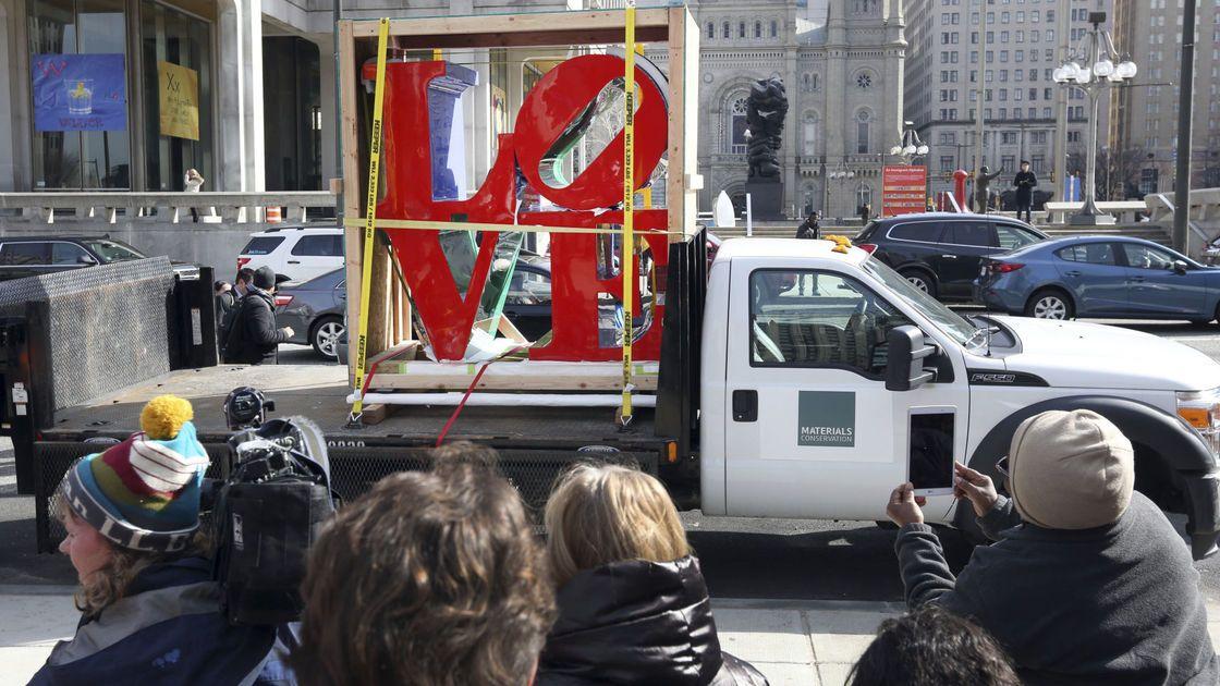 'LOVE' returns: Philadelphia park gets its sculpture back