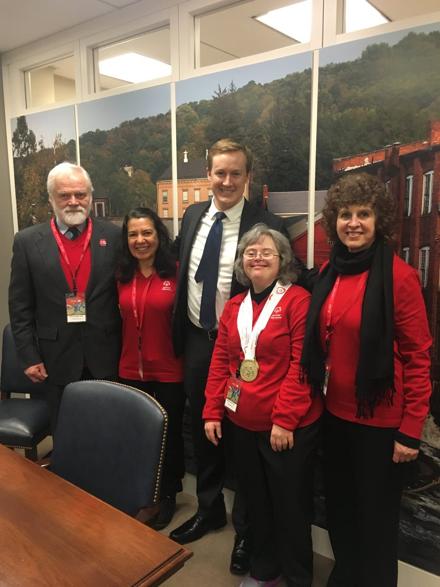 We're back from DC today but have wonderful memories of a meaningful day sharing the mission and stories of @SpecialOlympics with friends like Eamonn Collins in Senator @ChrisMurphyCT's office! We're grateful for his time and his and Senator Murphy's unwavering support!#SOHillDay https://t.co/KeLJbGjqLv
