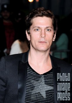 Happy Birthday Wishes to going out to Rob Thomas!