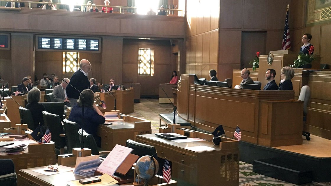 Bill to amend Oregon Constitution lands in health committee