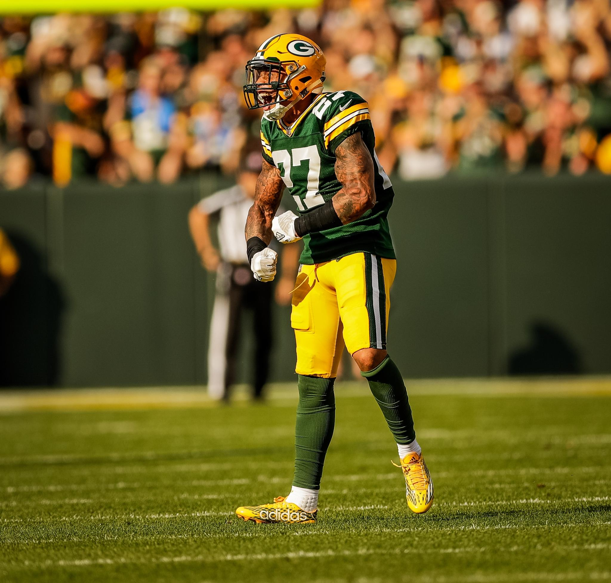 Take a look at #Packers S @JoshJones11_'s top photos from his rookie 2017 season.   ��: https://t.co/MQLXcN5knt https://t.co/YrCVjW08cr