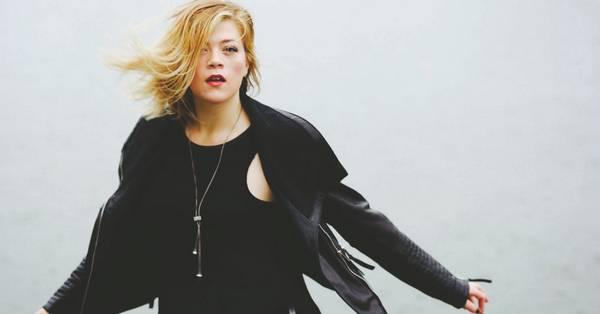 Singer-songwriter Liz Longley in the Spotlight