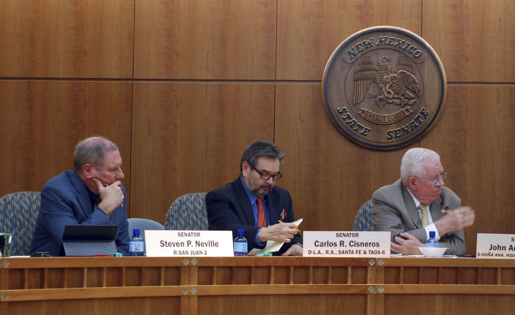 New Mexico House OKs income tax credit for rooftop solar