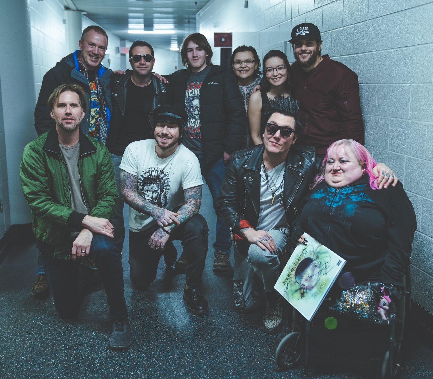 #DeathbatNation Meet and Greet - Saskatoon #thestageworldtour #avengedsevenfold ��:@rafacore https://t.co/47zz5NBd3U