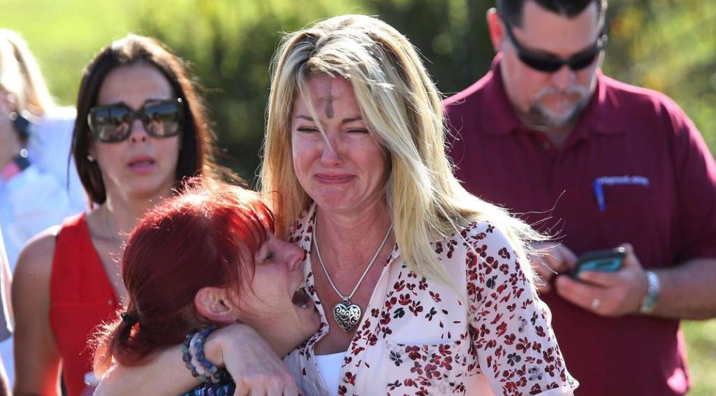 Florida high school shooting plunges city into mourning