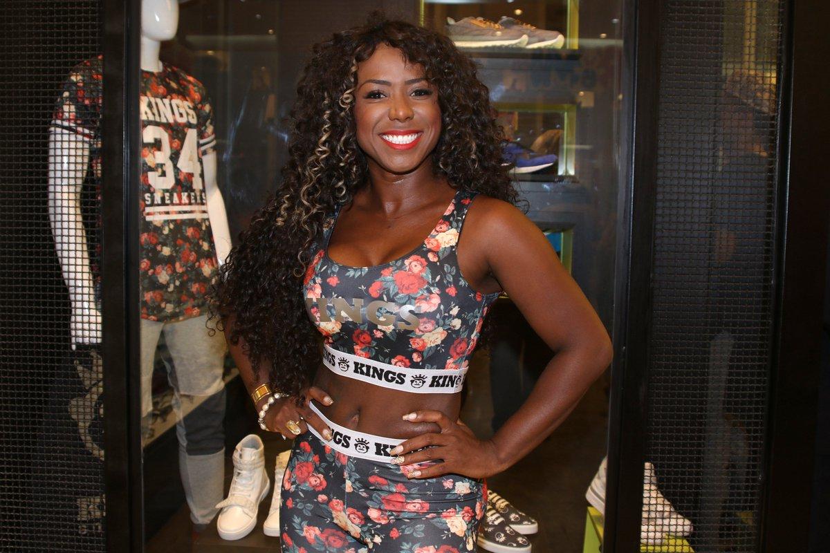 Adelia. Foto do site da Caras Brasil que mostra Saiba quem Adelia favorita para ganhar no BBB 18