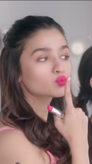 1 MONTH TO ALIA\S BIRTHDAY  ALIA BHATT MAKES ME HAPPY