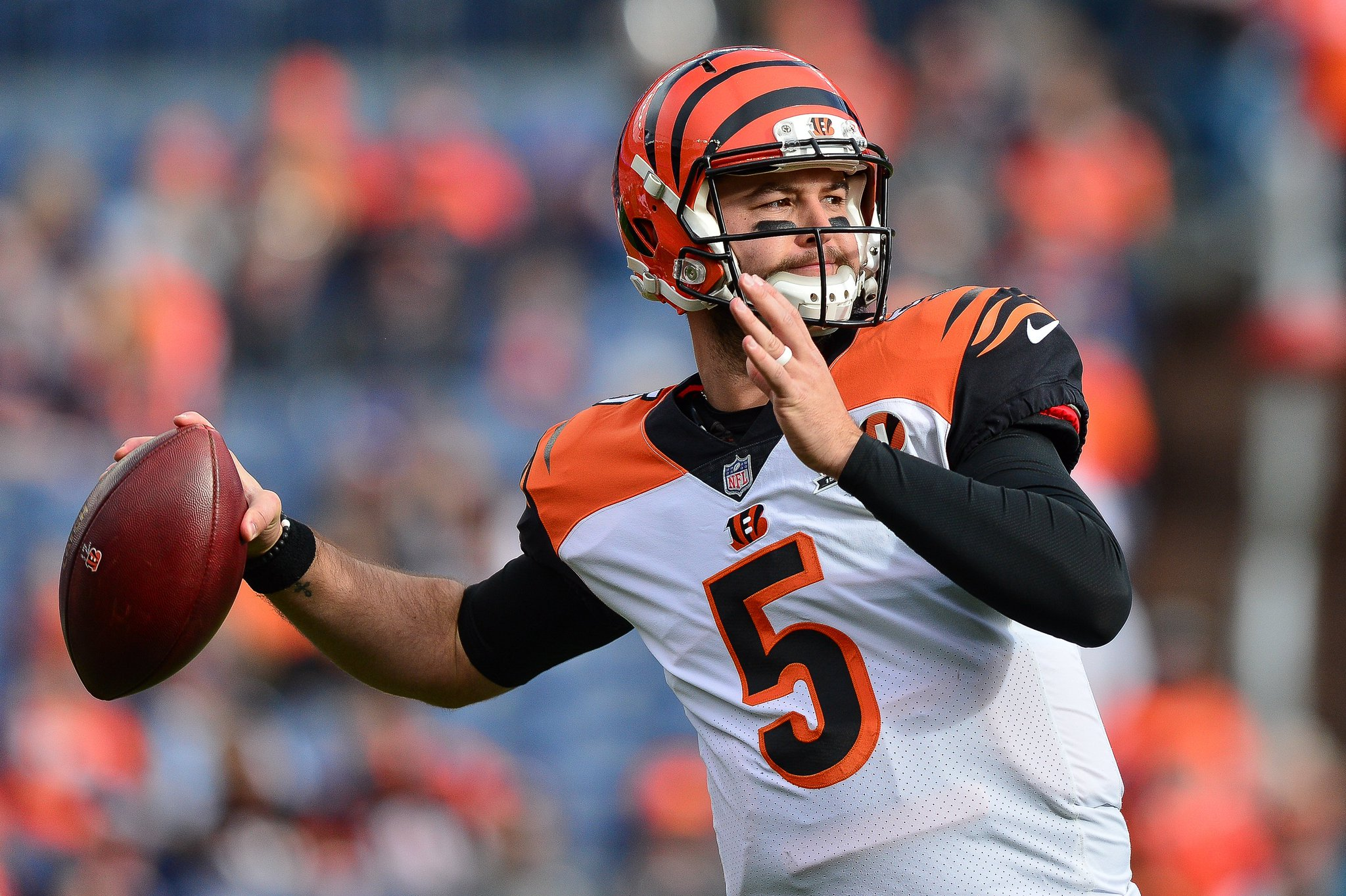 AJ McCarron wins grievance against Bengals and will be free agent, per @RapSheet https://t.co/e1NjUEY1PA https://t.co/5BVjwzpdN6