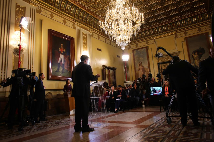 #NOTICIA Presidente @NicolasMaduro rechaza campaña xenofóbica contra venezolanos https://t.co/s89Atr97KX https://t.co/Ce0ffH2KAY