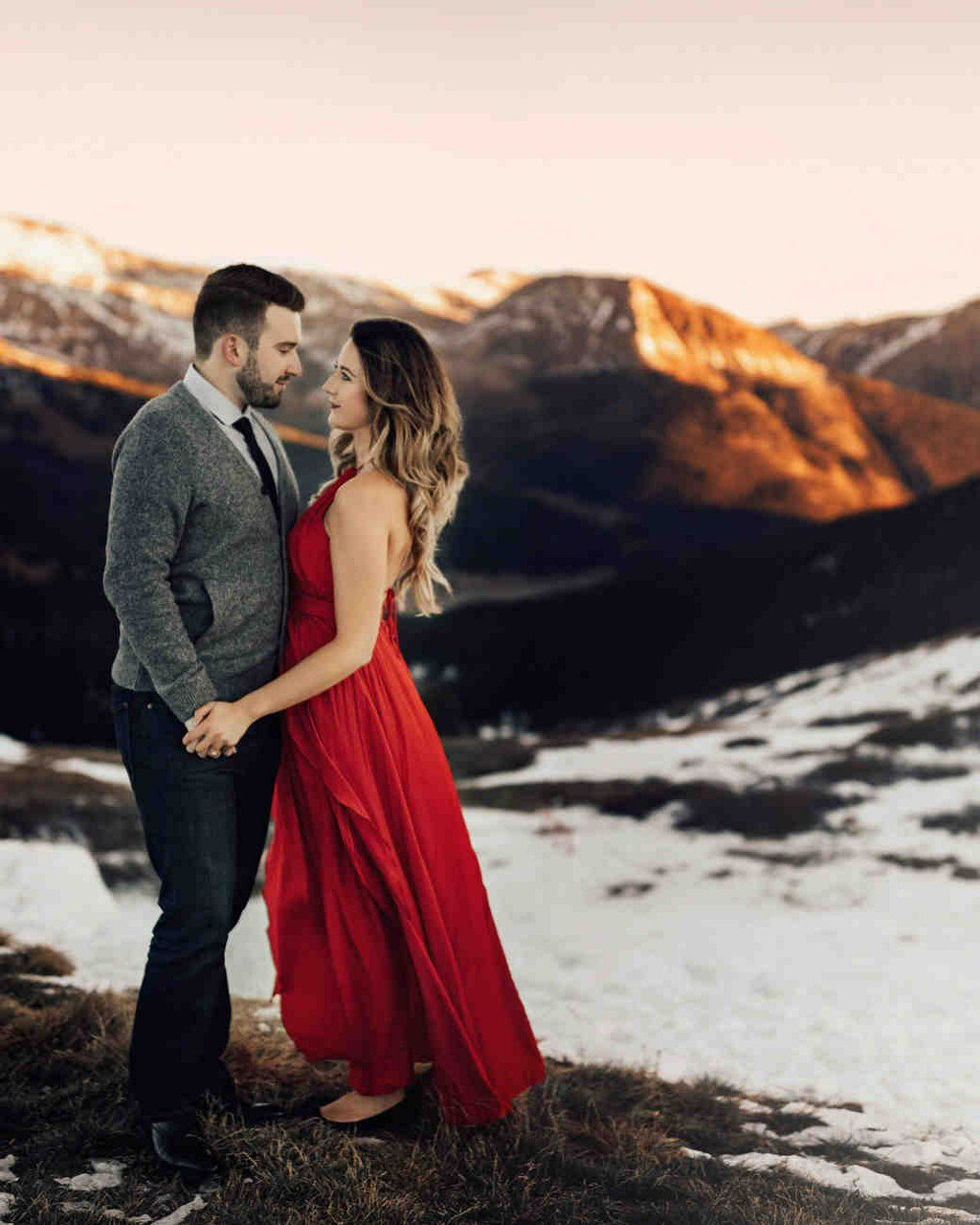 Elopement Photos That Make the Case for Getting Hitched Somewhere Cold https://t.co/DIExR6g9zN https://t.co/Zl5LfyV8Hc