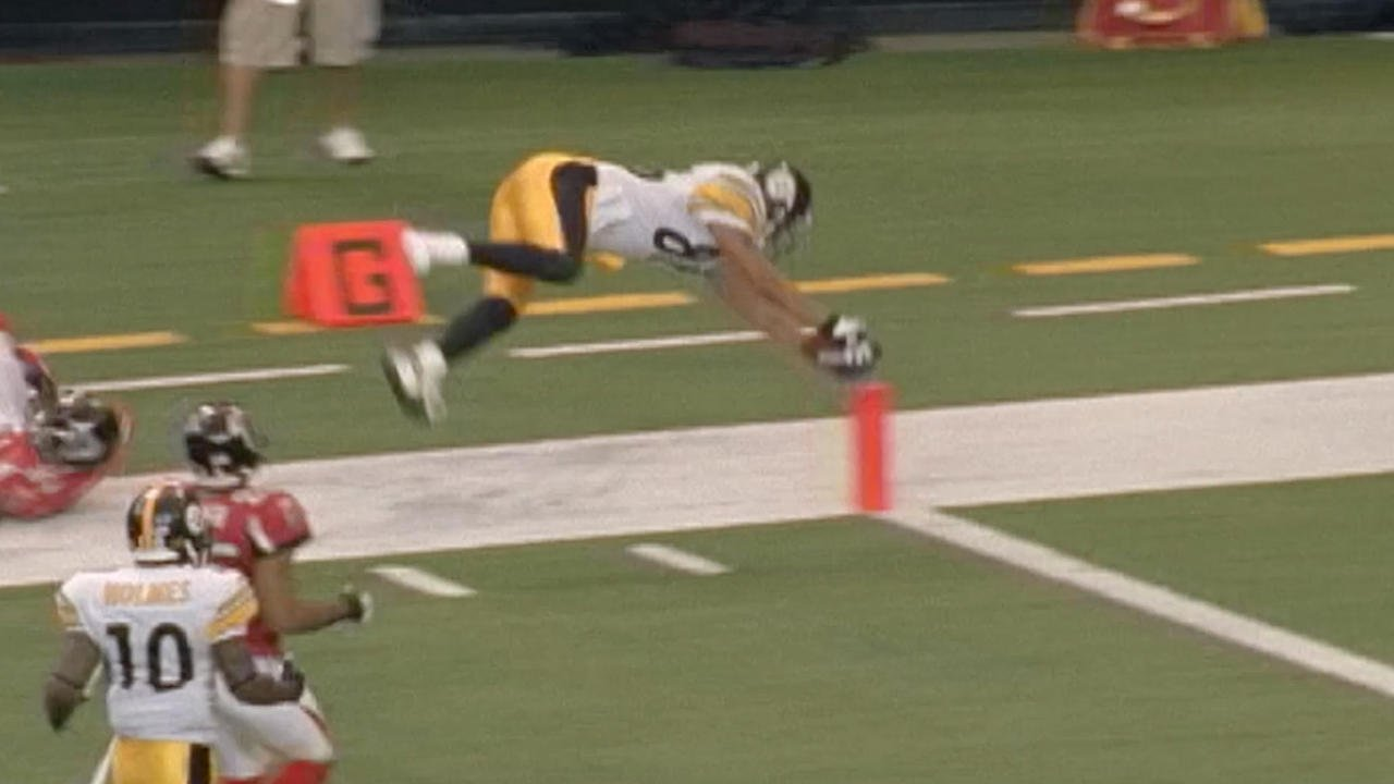 That time @mvp86hinesward LITERALLY ran out of his shoe...  #tbt #SteelersHistory https://t.co/dj2Q708aha