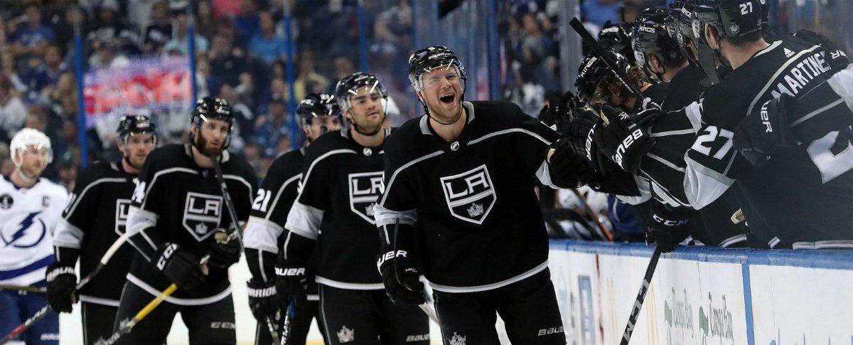 @LAKings y @AnaheimDucks siguen luchando por un puesto dentro de los Playoffs, a la vez que siguen sembrando dudas con su 'pobre accionar' #NHL #GoKingsGo #LetsGoDucks - https://t.co/q2PGj1E0F4 https://t.co/2O79LmEhWX