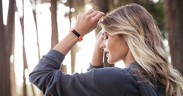 Find your perfect Fitbit, from €89.99! 💪😮 https://t.co/mJuyckInEg https://t.co/ChH7JAoegx