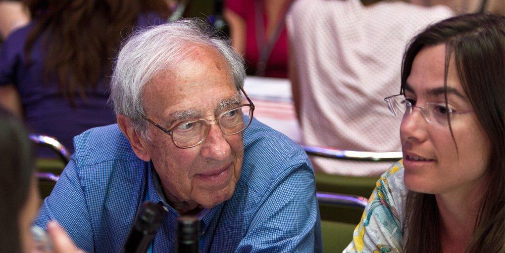 """test Twitter Media - Edmond Fischer kehrte immer wieder nach #Lindau zurück, um sich mit den Studierenden aus aller Welt zu unterhalten: """"Diese Tagungen werden für sie ausgerichtet, für die Studenten, nicht für die Nobelpreisträger,"""" sagte er 2015 zu  Ralph Burmester: https://t.co/nmBS1khzvn https://t.co/G6Rw4du8Ok"""