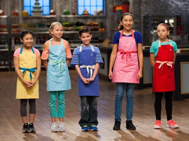 Only 5 kids are left! Be sure to tune in at 9 8c for a NEW #KidsBakingChampionship. https://t.co/PlOlPcK1Q6