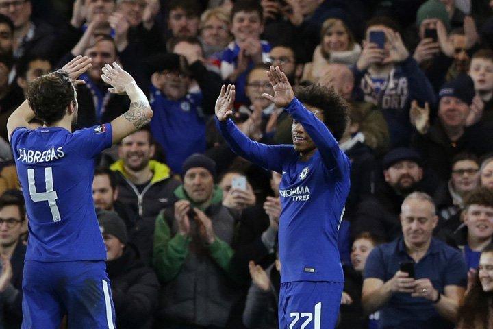 @BroadcastImagem: Com dois gols de Willian, Chelsea goleia Hull City por 4 a 0 e avança na Copa da Inglaterra. Alastair Grant/AP