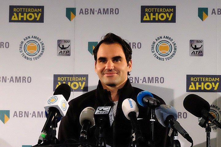 @BroadcastImagem: Federer avança em Roterdã e faz história ao voltar à liderança da ATP com 36 anos. Michael C. Corder/AP