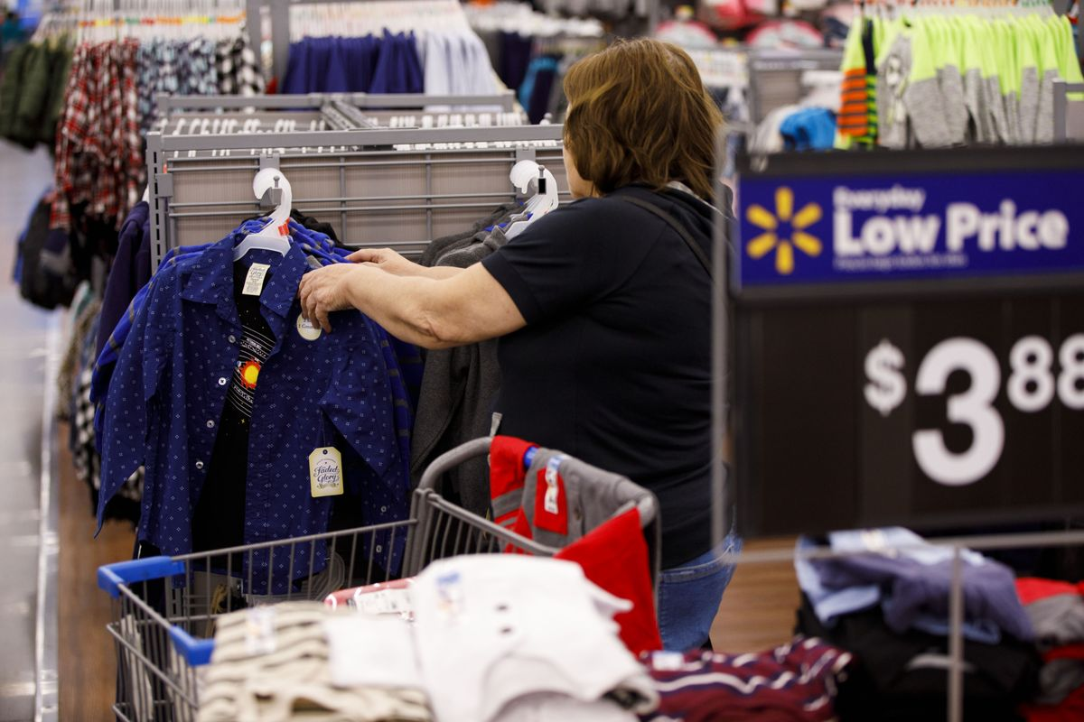 Walmart unveils new apparel brands to counter Amazon's growth https://t.co/GIJuRB0NhL https://t.co/8C4oQSKaFn
