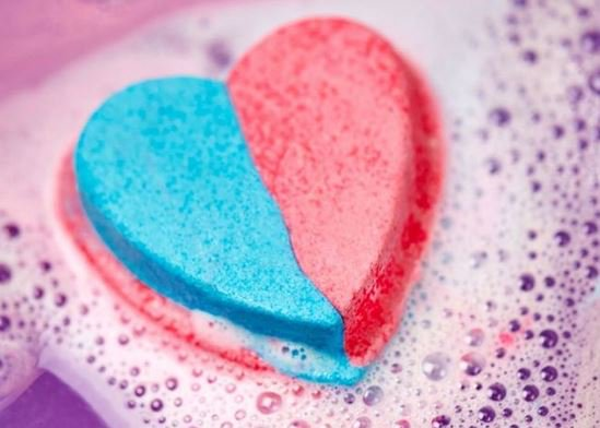 Lush launches US transgender rights campaign with pink-and-blue bath bomb