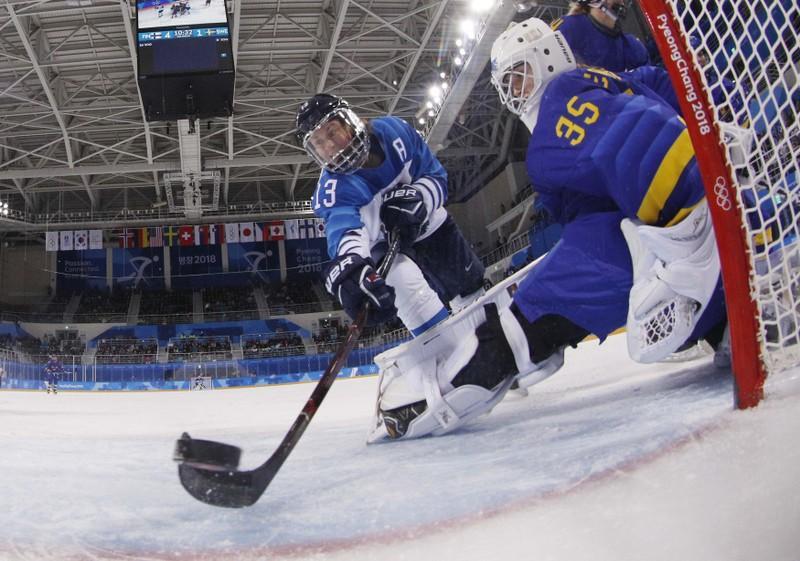Ice hockey: Finland flatten Sweden to reach women's semi-final