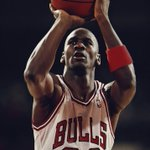 RT : Happy birthday, Michael Jordan ☄️ htt...