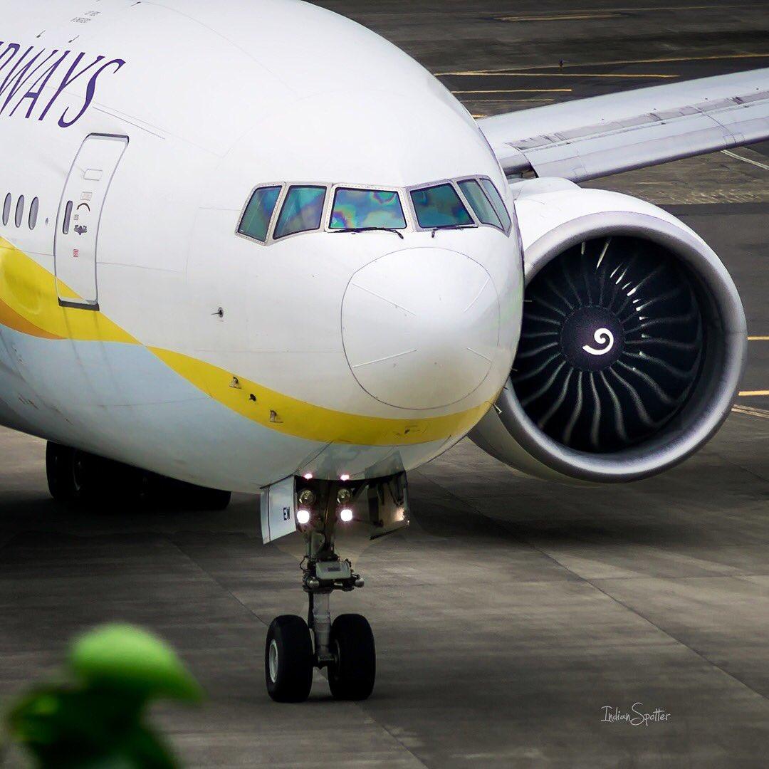 #London bound @jetairways #B777 strutting towards RWY27