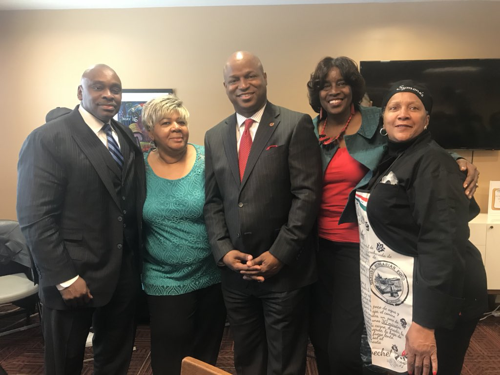 test Twitter Media - Had a great time celebrating Black History Month with the seniors at the Bellwood Senior Suites today.  Special thanks to my co-hosts Mayor Andre Harvey, Cook County Recorder of Deeds Karen Yarbrough, Wintrust Bank and Symone's Catering.  #BlackHistoryMonth #BHM https://t.co/DoWR1zgtLE