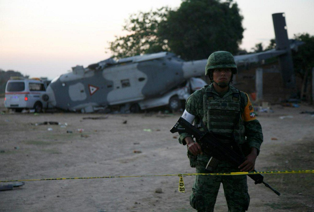 Mexico helicopter crash kills 13 on ground in wake of earthquake https://t.co/Qi09N9Igwo https://t.co/dsxemg5wPN