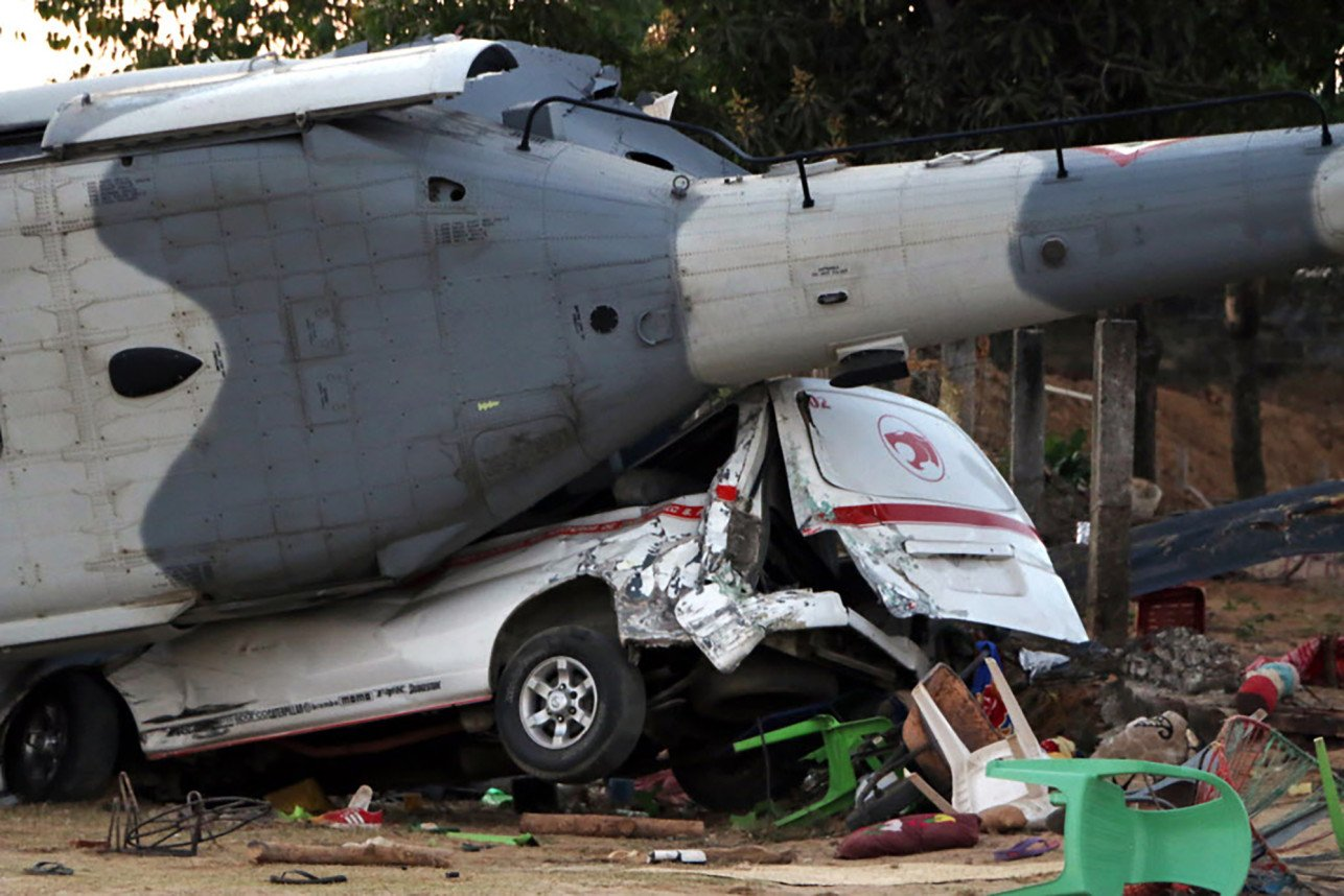 13 killed in helicopter crash after Mexican quake https://t.co/SeIKivPwkz https://t.co/fMb71gdByP