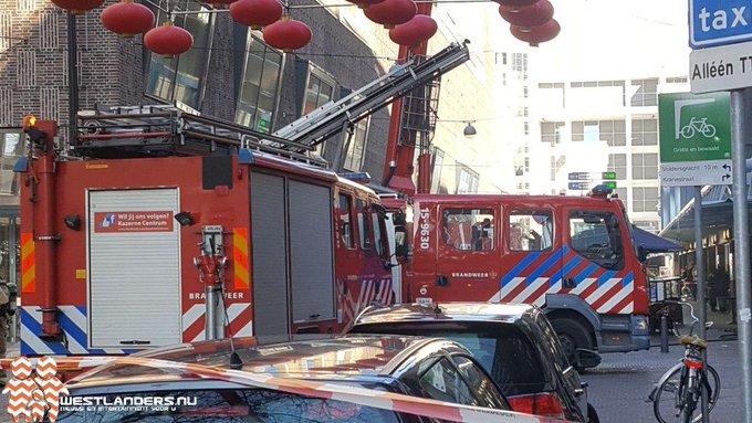 Zeer grote brand in Haags visrestaurant https://t.co/gOx4ZoCxnP https://t.co/xy85wIx3f6